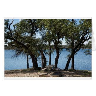 Cartão Piquenique no lago