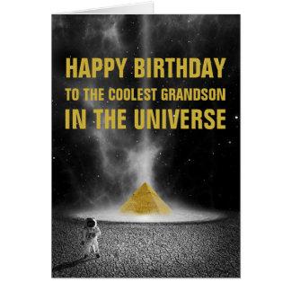 Cartão Pirâmide do espaço do feliz aniversario com