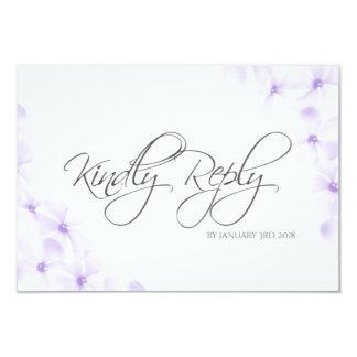 Cartão Plumeria RSVP Wedding minimalista floral do Lilac