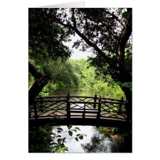 Cartão Ponte sobre a água calma