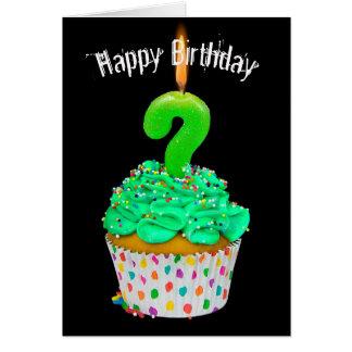 Cartão ponto de interrogação da vela do aniversário no