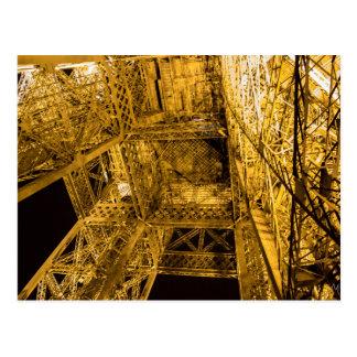 Cartão Postal 2/3 acima da torre Eiffel