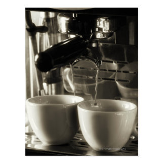 Cartão Postal A arte do fazer fresco/do derramamento do café