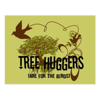 Cartão Postal A árvore Huggers é para os pássaros