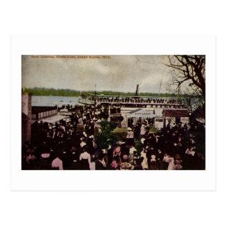 Cartão Postal A aterragem do barco cobre o lago Grand Rapids,