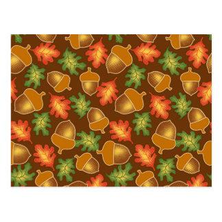 Cartão Postal A atmosfera brilhante do outono com bolotas e o