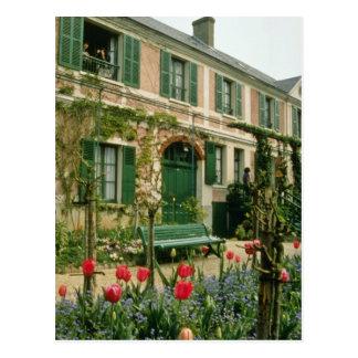 Cartão Postal A casa de Monet vermelho e o jardim, Giverny,