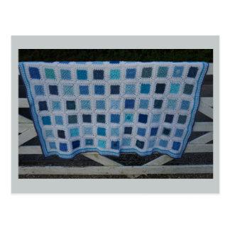 Cartão Postal A cobertura do Crochet dos azuis