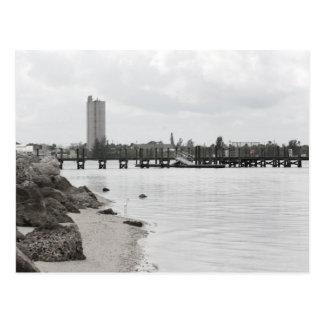 Cartão Postal a costa ft do rio do silo da doca perfura florida