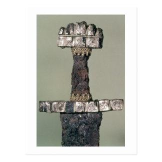 Cartão Postal A empunhadura de uma espada de Viking encontrou em