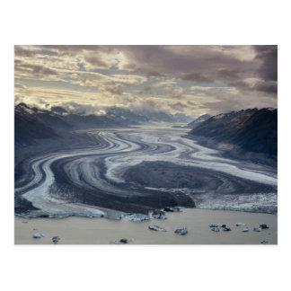 Cartão Postal A geleira de Lowell flui no rio de Alsek dentro