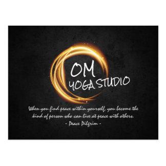 Cartão Postal A meditação da ioga de Namaste cita o sinal preto