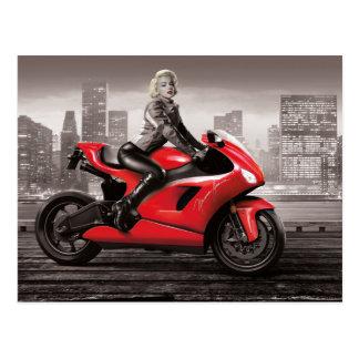 Cartão Postal A motocicleta de Marilyn