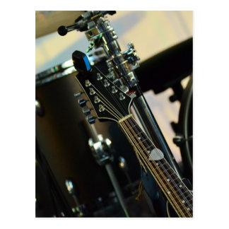 Cartão Postal A música dos instrumentos rufa o instrumento