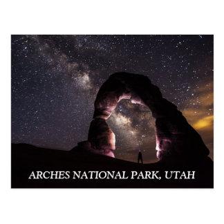 Cartão Postal A noite delicada do arco de Utá stars a paisagem
