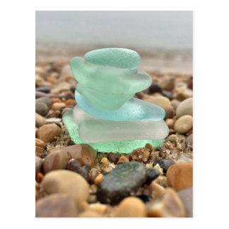Cartão Postal A praia bonita de Seaglass da cerceta que pensa de