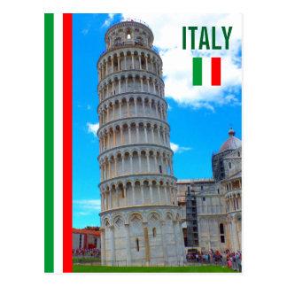 Cartão Postal A torre inclinada de Pisa e da bandeira italiana