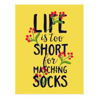 Cartão Postal A vida engraçada é demasiado curta para meias de