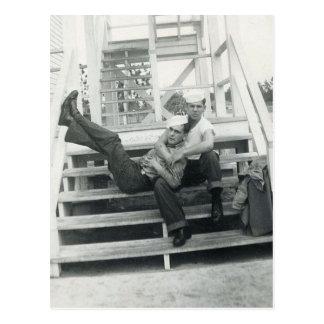 Cartão Postal Abraço do marinheiro