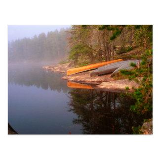Cartão Postal Acampamento nevoento da canoa, lago Kawnipi,