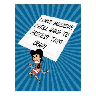 Cartão Postal Activista irritado com um sinal do protesto