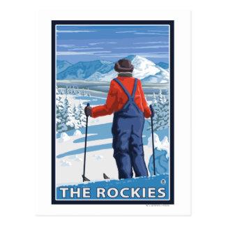 Cartão Postal Admiração do esquiador - as Montanhas Rochosas