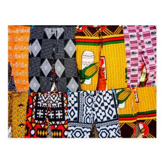 Cartão Postal África, Angola, Benguela. Calças brilhantemente