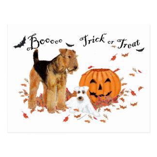 Cartão Postal Airedale Terrier o Dia das Bruxas