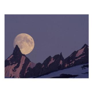 Cartão Postal Alaska, elevações da Lua cheia das montanhas de