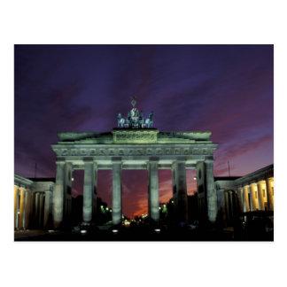 Cartão Postal Alemanha, Berlim. Porta de Brandemburgo na noite