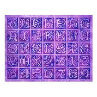 Cartão Postal Alfabeto e números decorativos roxos
