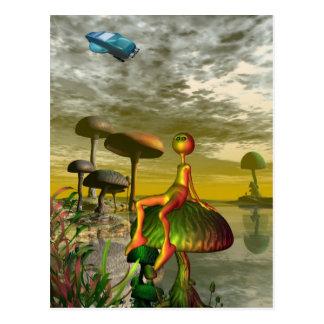 Cartão Postal Alienígena que olha um aircar no céu