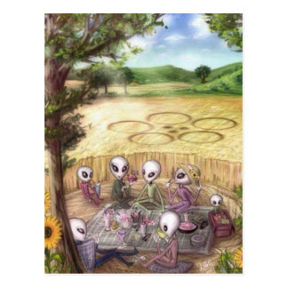 Cartão Postal Aliens picknick make em crop circle - Postcard