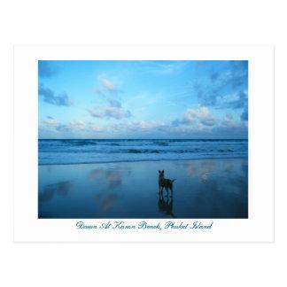 Cartão Postal Alvorecer na praia de Karon, ilha de Phuket