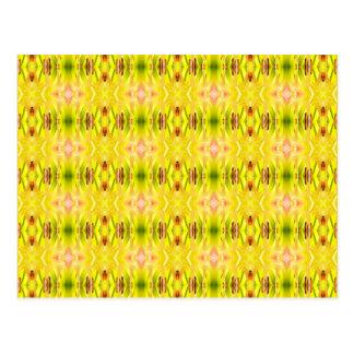 Cartão Postal Amarelo abstrato do teste padrão do hemerocallis