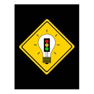 Cartão Postal Ampola temperamental do sinal de trânsito adiante
