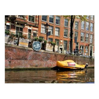 Cartão Postal Amsterdão, canal, barco de madeira dos calçados