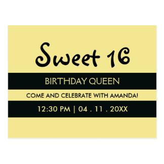 Cartão Postal Aniversário amarelo do doce dezesseis das listras
