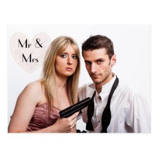 Cartão Postal Anúncios cómicos do Elopement do casamento da