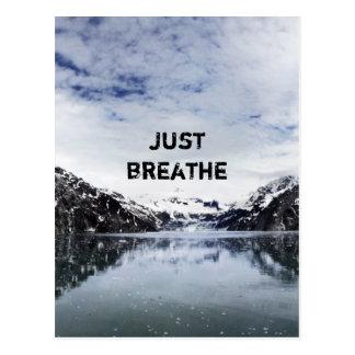 """Cartão Postal """"Apenas respire.""""  Citações de Inpirational"""