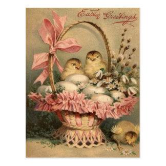 Cartão Postal Arco do rosa do pintinho do ovo da cesta da páscoa