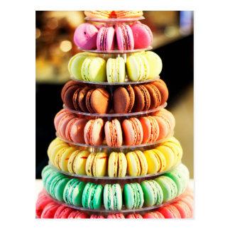 Cartão Postal Arco-íris Pastel biscoitos empilhados de Macaron