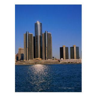 Cartão Postal Arranha-céus pela água em Detroit