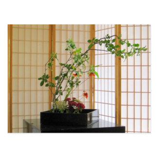Cartão Postal arranjo de flor do zen