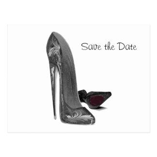 Cartão Postal Arte elegante preta dos calçados do estilete