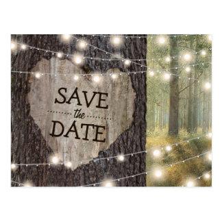 Cartão Postal Árvore cinzelada do coração que Wedding economias