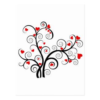 Cartão Postal Árvore de amor dos namorados com corações