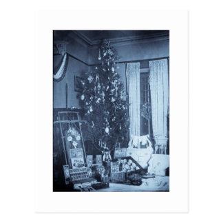 Cartão Postal Árvore do natal vintage na manhã de Natal