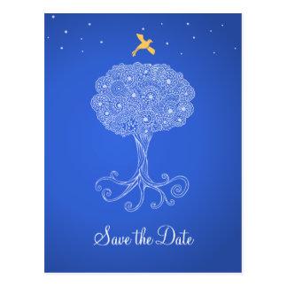 Cartão Postal Árvore ornamentado de economias do azul da vida a