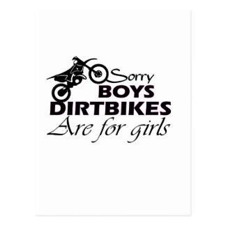 Cartão Postal as bicicletas da sujeira do menino são para